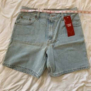 NWT Levi's classic jean shorts 10